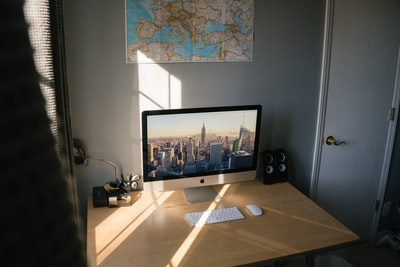 How to make a $1000 monitor for your PC